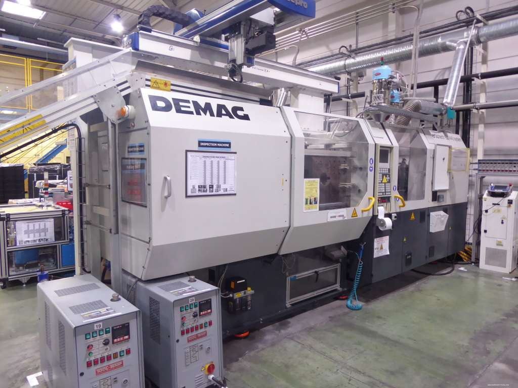 PRESSE A INJECTER DEMAG